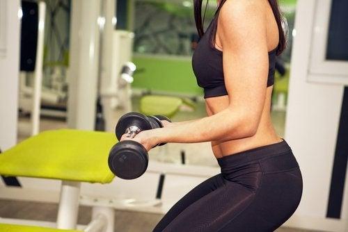 Treningsrutiner: tyngre vekter eller flere repetisjoner?