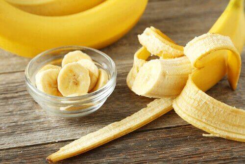 Hårmaske med banan, egg, honning og olivenolje