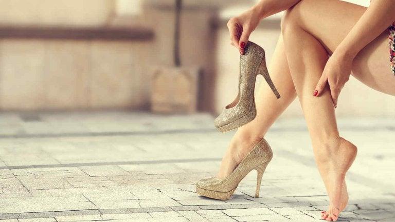 8 triks for å bruke høye hæler hele kvelden