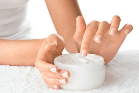 8 grunner til at neglene dine er sprø