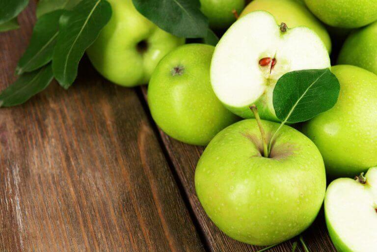 Grønne epler i salat