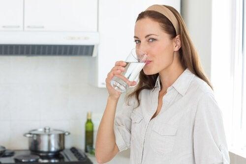 Drikk vann mot nyrestein