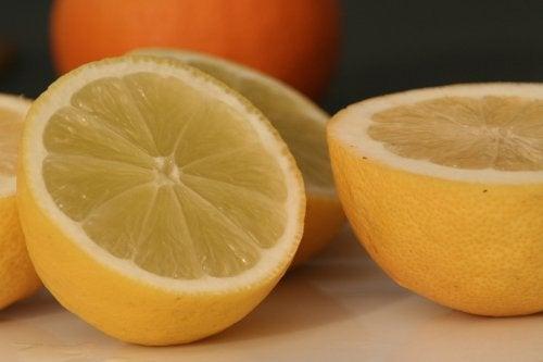 10 utrolige bruksmåter for sitroner, prøv dem!