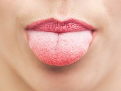Rengjør tungen din
