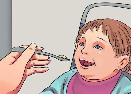 4 giftige og farlige matvarer for babyers utvikling