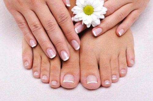 Naturlige behandlinger for negleproblemer