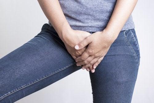 tettsittende klær forårsaker soppinfeksjon