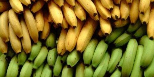 Tre ernæringsmessige forskjeller mellom bananer og kokebananer