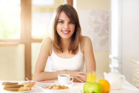 Kosthold og tips som vil hjelpe deg å gå ned i vekt uanstrengt