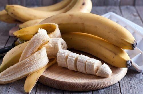 6 enkle og unike måter å bruke bananer på