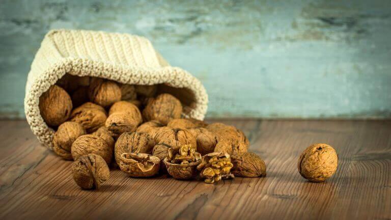 Å spise valnøtter: helsemessige fordeler for magen