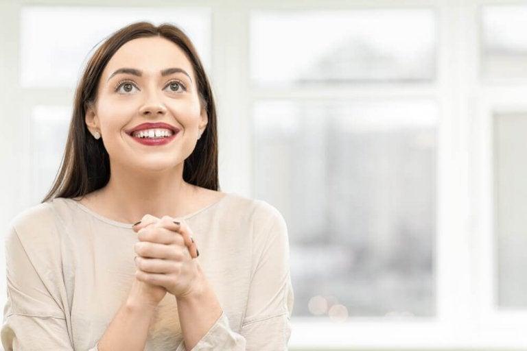 Kvinne med høye forventninger
