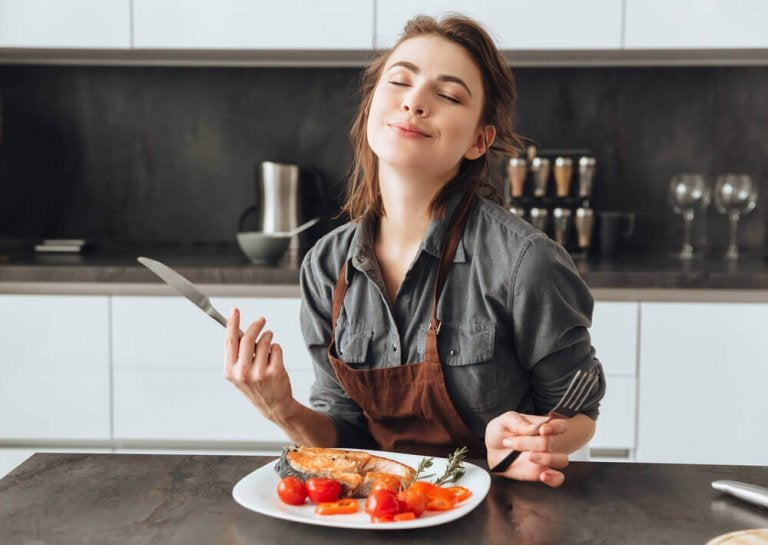 10 ting som kan få deg til å føle deg konstant sulten