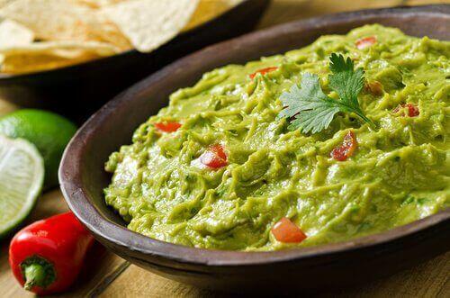 Prøv denne oppskriften på hjemmelaget guacamole