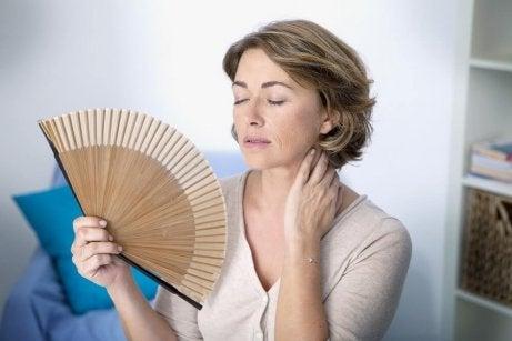 Kvinne med hetetokter