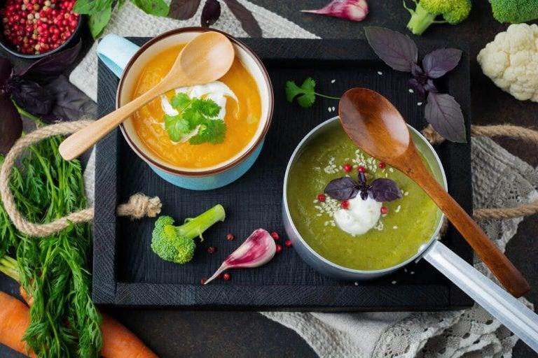 5 deilige avgiftende supper for å rense kroppen din