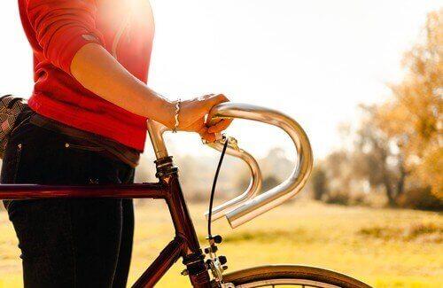 Kvinne og sykkel