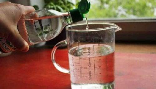 Vann og eddik for å gå ned i vekt