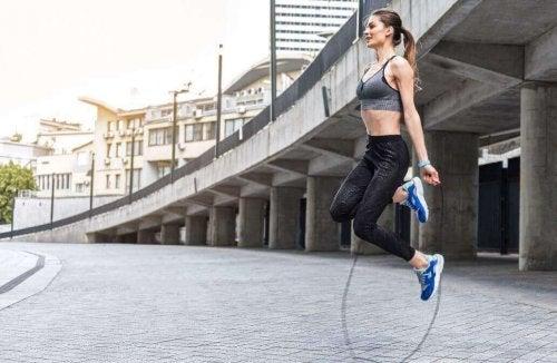 Kardioøvelser: Hoppe tau