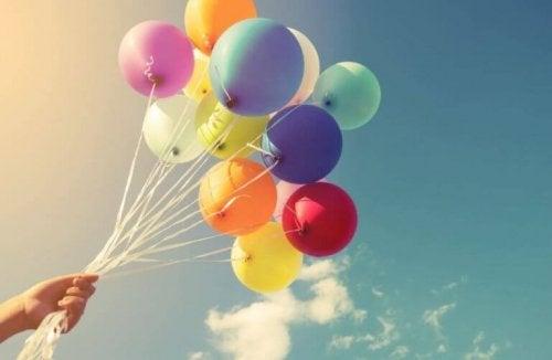 De 16 beste måtene å dekorere med ballonger på