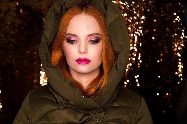 Kvinne med jakke