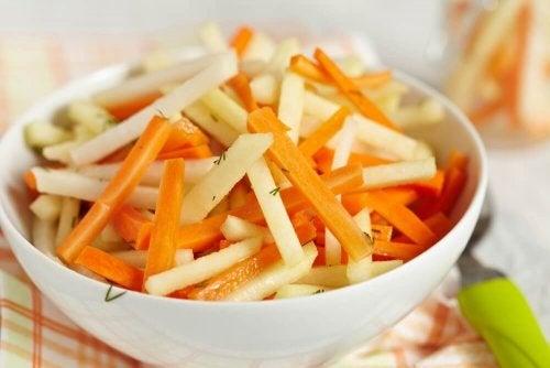 Detox-salat: Fem oppskrifter som renser tykktarmen