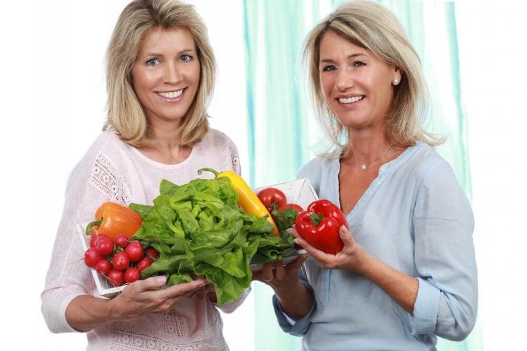 5 tips for å gå ned i vekt i overgangsalderen med et sunt kosthold