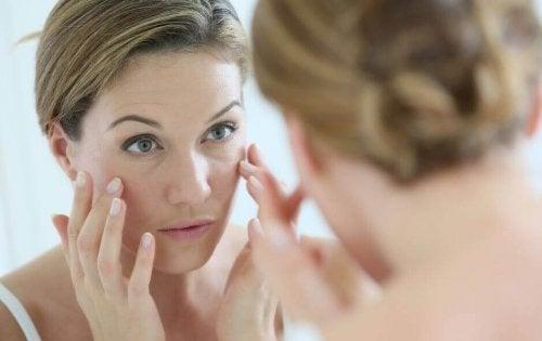 For tidlig aldring av huden forårsakes av disse 6 dårlige vanene
