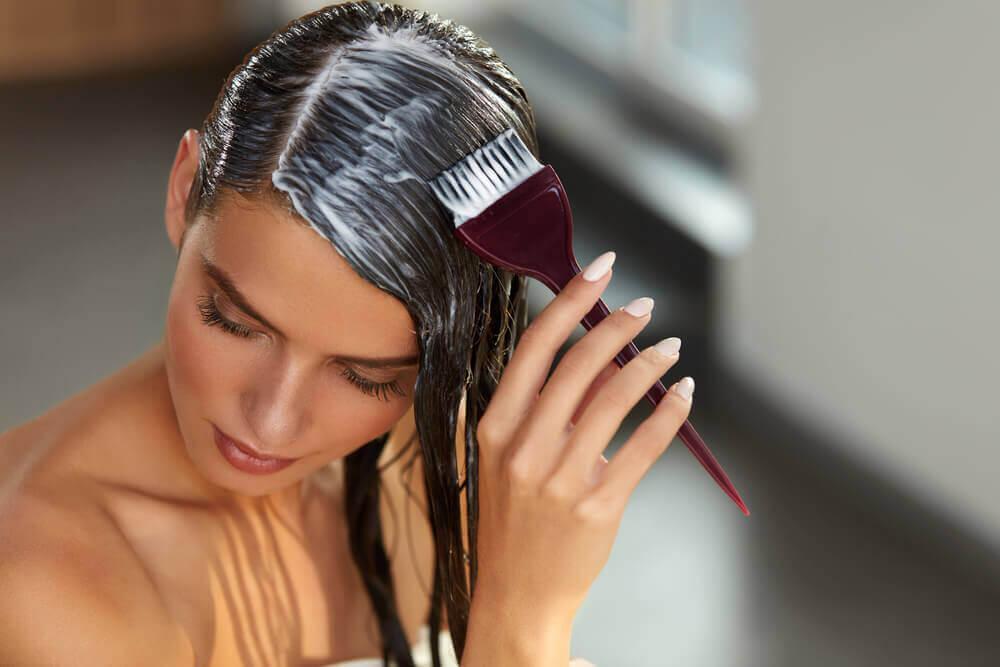 Hjemmelaget repolarisering av håret: reparer håret på minutter