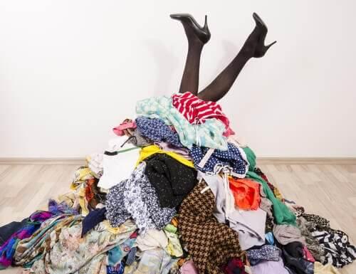 7 ideer for oppbevaring av klær når du ikke har garderobeskap