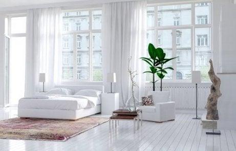 Lyse farger på soverommet