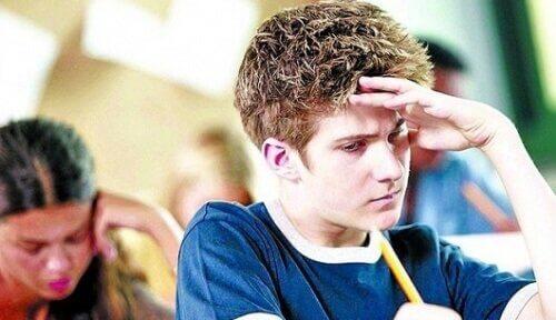Gutt konsentrerer seg på skolen
