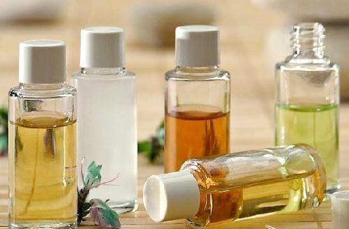 Rengjør ansiktet ditt med naturlige oljer: Hvilke du skal bruke og hvordan du bruker dem