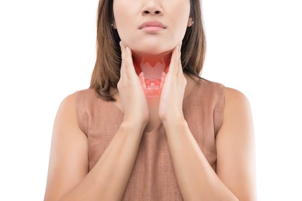 Skjoldkjertelen utskiller hormoner