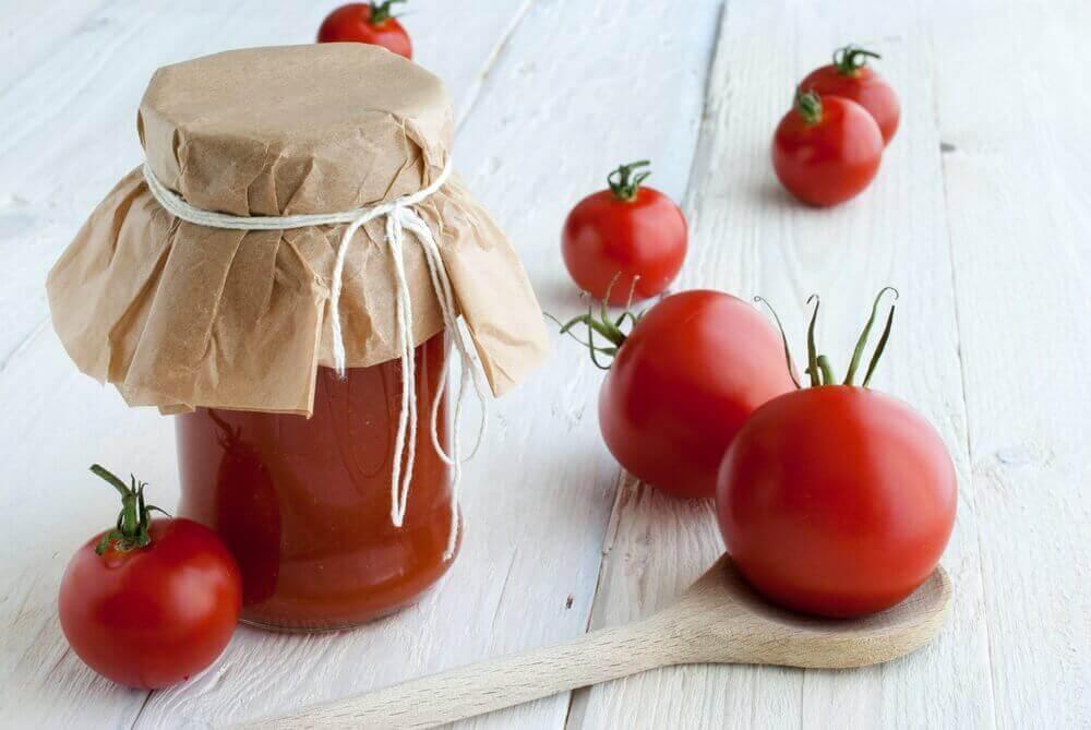 Tomat og maismel
