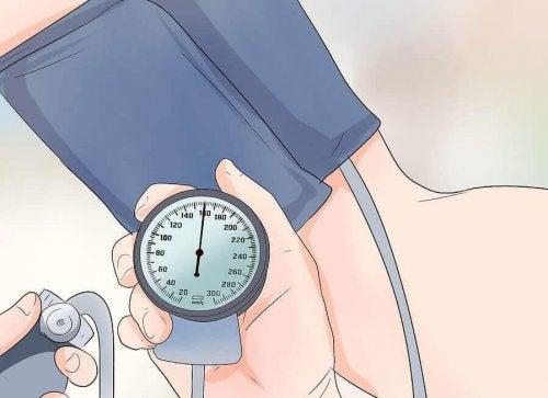 Anbefalte øvelser for å senke blodtrykket