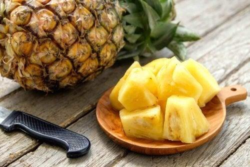 Ananas i biter