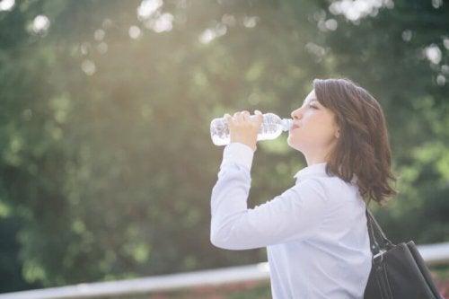 Hjemmelagd elektrolyttdrikke for å forhindre dehydrering