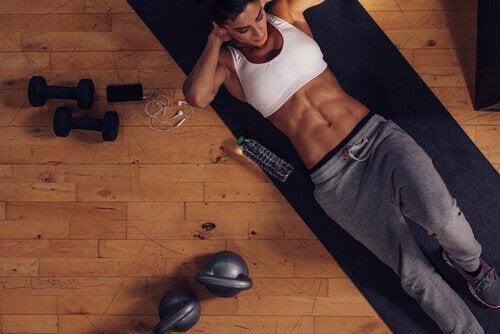 Finn ut hvordan du lager ditt eget treningsstudio hjemme