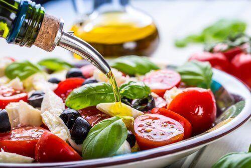 Salat med olivenolje