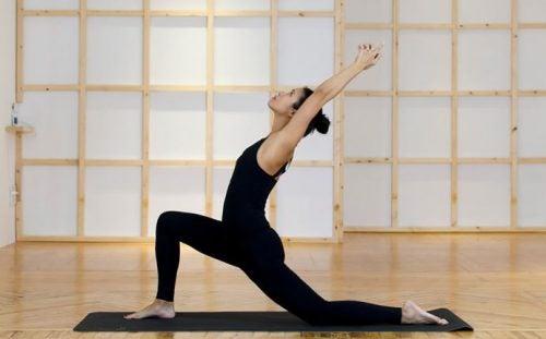Yogastillinger