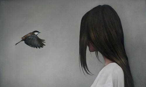 Kvinne og fugl
