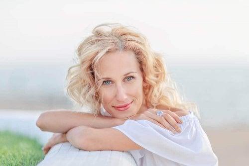8 nyttige hudpleietips i overgangsalderen