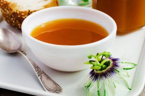 Te med pasjonsblomst