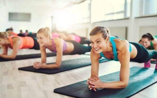 Prøv planken for å få perfekte magemuskler