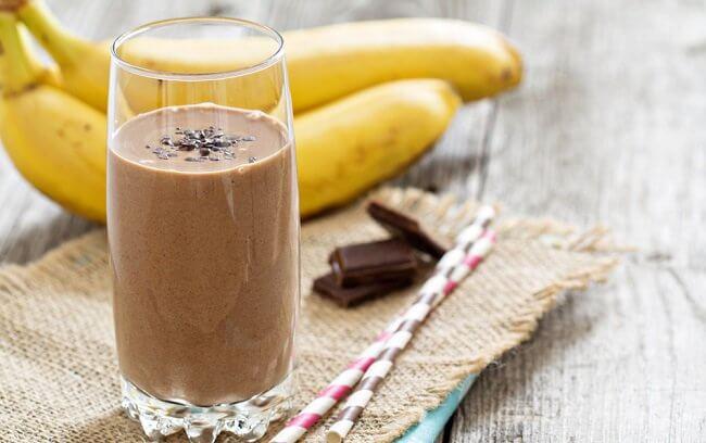 Smoothie med banan og sjokolade