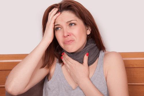 Kvinne med influensa