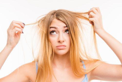 Kvinne med tørt hår