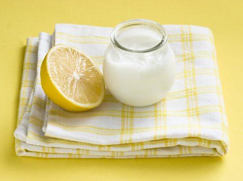 Yoghurt og sitronjuice