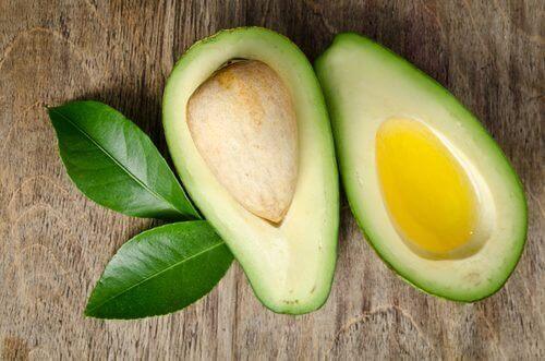 Avokado med olivenolje